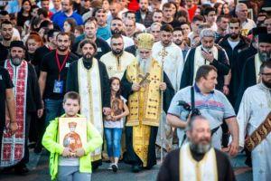 Σε κατάσταση εκτάκτου ανάγκης το Μαυροβούνιο-Υπό εξέγερση ο λαός-Νέες συλλήψεις ιερέων μετά τις λιτανείες