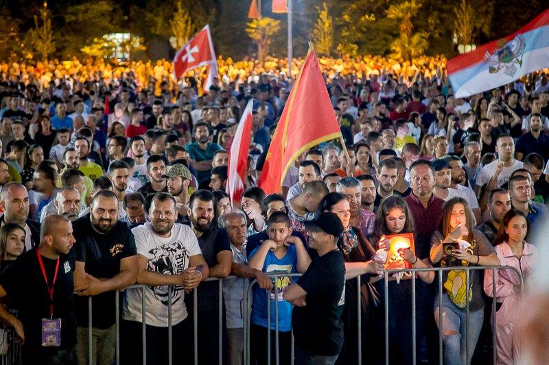 Ξεσηκώθηκαν οι φοιτητές στο Μαυροβούνιο : «Δεν θα παραδώσουμε τα ιερά μας»