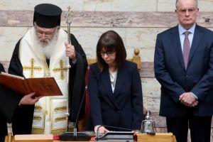 Αύριο ο Αρχιεπίσκοπος Ιερώνυμος θα επισκεφθεί τη νέα Πρόεδρο