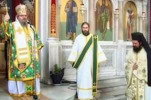 Ο Λαρίσης Ιερώνυμος έκρινε σκόπιμο την ημέρα της εορτής του να «απολογηθεί» για την αποχώρηση του π. Αχιλλίου