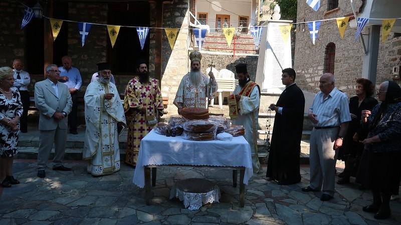 Η εορτή των Αγίων Αποστόλων στο Ροβολιάρι Φθιώτιδος.