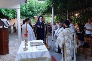 Ο Σεβ. Χαλκίδος κ. Χρυσόστομος στο εξωκκλήσι της Αγίας Άννης Κοντοδεσποτίου Μεσσαπίων