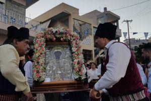 Πάνδημη λιτανεία της θαυματουργής εικόνας της Αγίας Παρασκευής στο Καστέλλο Χίου