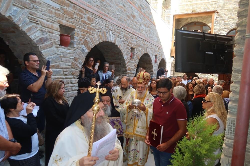 You are currently viewing Εν πληθούση Εκκλησία τελέστηκαν τα εγκαίνια του Καθολικού της Ι. Μονής Αγίας Μαρίνης Άνδρου