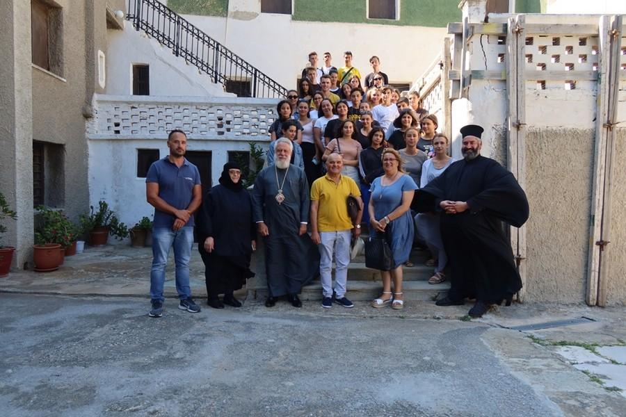 Πάνδημος η Ιερά Μονή της Αγίας Μαρίνης Άνδρου πανηγυρίζει την εορτή της