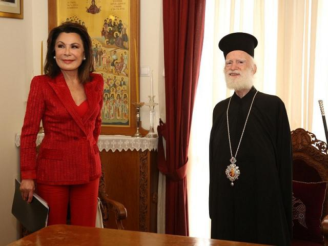 Η Γιάννα Αγγελοπούλου συναντήθηκε με τον Αρχιεπίσκοπο Κρήτης και τον περιφερειάρχη