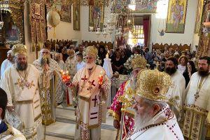Πολυαρχιερατικό Συλλείτουργο στην Αγία Τριάδα Τζαγκαρόλων για τον Μακαριστό Θεοχάρη Λιονάκη