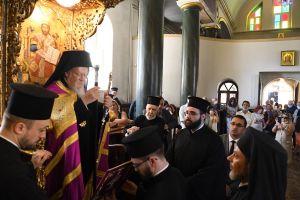 Ενθρόνιση του νέου Ηγουμένου στη Χάλκη – Ιστορικές στιγμές- Τι είπε ο Πατριάρχης!