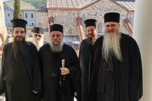 Η Ιερά Σύνοδος για την επίσκεψη της αντιπροσωπείας της στο Άγιο Όρος