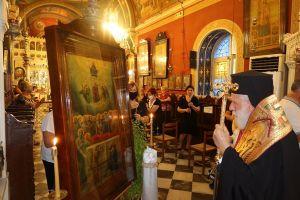 Την Μεγάλη Παράκληση τέλεσε ο Μητροπολίτης Σύρου Δωρόθεος στην Ερμούπολη