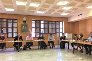 Ευρεία σύσκεψη των  αρχών  με τον  Σεβ. Μητροπολίτη  Φωκίδος για την Βαρνάκοβα