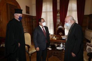Ο Μητροπολίτης Γαλλίας Εμμανουήλ με τον Γ.Γ. Διεθνούς Κέντρου Διαθρησκευτικού Διαλόγου και ο Πρέσβης Βατικανού στον Αρχιεπίσκοπο Ιερώνυμο