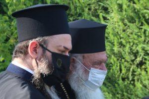 Ιερώνυμος: Με μάσκα στον Αγιασμό παιδικού σταθμού στο Δήλεσι