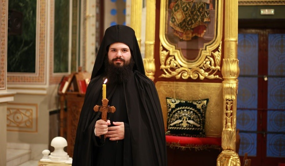 You are currently viewing Μοναχική Κουρά στον Ιερό Ναό Αγίου Σπυρίδωνος πολιούχου Πειραιώς από τον Σεβ. Πειραιώς Σεραφείμ