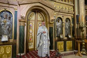 Αθανάσιος Παπασταύρου: Η Παναγία είναι η μητέρα μας και δεν μας εγκαταλείπει