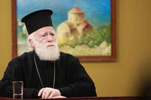 Παραμένει στην ΜΕΘ με πυρετό ο Αρχιεπίσκοπος Κρήτης Ειρηναίος