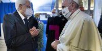Ο 83χρονος Πάπας φόρεσε μάσκα για πρώτη φορά σε δημόσια εκδήλωση