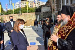 Περιορισμένη προσέλευση   πιστών στην Θεσσαλονίκη για να προσκυνήσουν του πολιούχο της πόλης Άγιο Δημήτριο με κάγκελα και υπερβολική αυστηρότητα