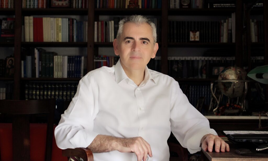 """Μάξιμος Χαρακόπουλος: """"Βαθύτατη θλίψη και αγανάκτηση"""""""