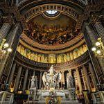Δικαστήριο στη Γαλλία διέταξε να αναθεωρηθεί το διάταγμα για τον αριθμό των πιστών στις λειτουργίες