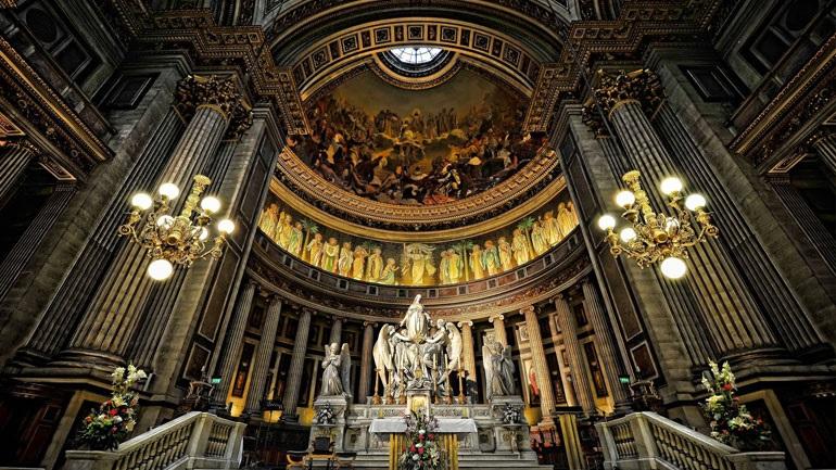 You are currently viewing Δικαστήριο στη Γαλλία διέταξε να αναθεωρηθεί το διάταγμα για τον αριθμό των πιστών στις λειτουργίες