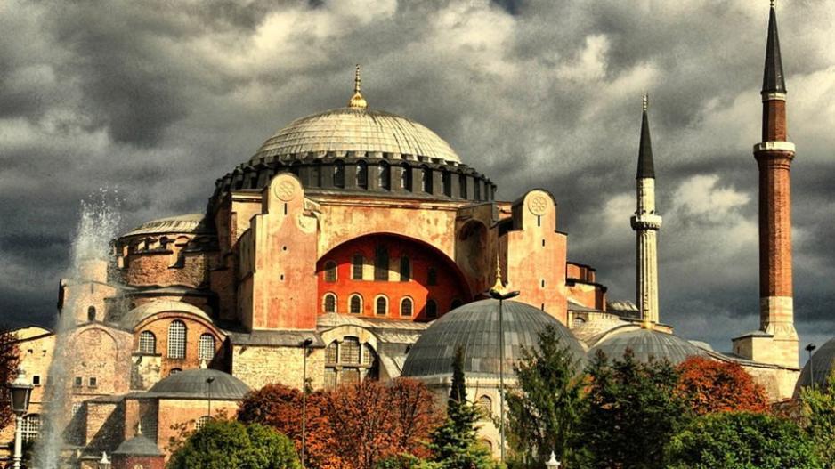 Αγιά Σοφιά: Οι Χριστιανοί της Τουρκίας κατέφυγαν στο ΣτΕ
