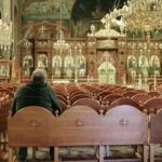 «Πυρά » από τη γαλλική Le Monde στην Ελλαδική Εκκλησία για μετάδοση του κορονοϊού!