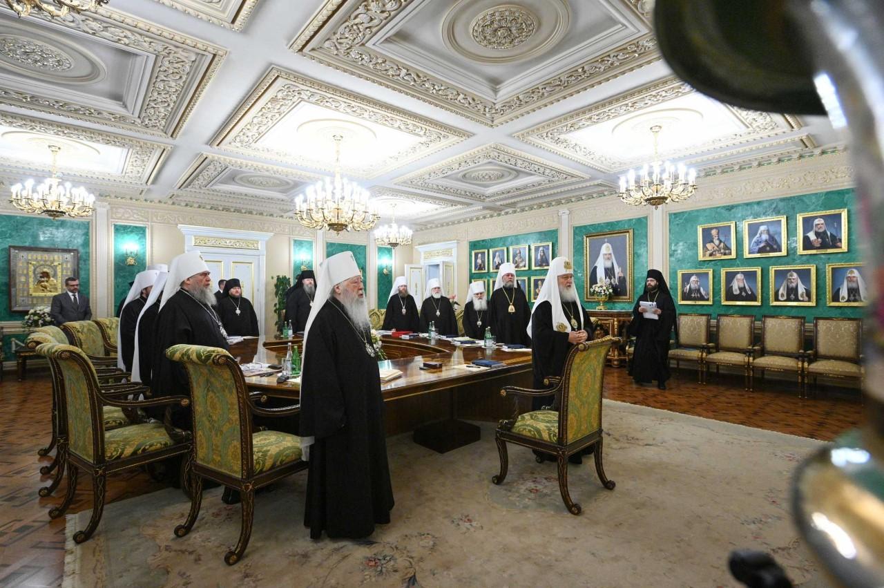 Η Ρωσική Εκκλησία διαγράφει από τα Δίπτυχα και τον Αρχιεπίσκοπο Κύπρου