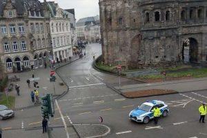 Γερμανία: Αυτοκίνητο έπεσε σε πεζούς στη πόλη Τρίερ – Αναφορές για τραυματίες και πέντε νεκρούς