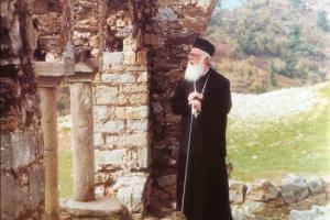 """Τριάντα χρόνια από το """"γκρέμισμα"""" της αθεΐας στην Αλβανία"""