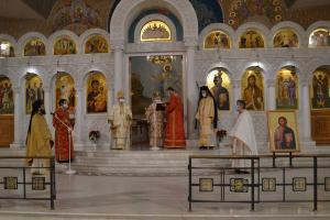 Ο Αρχιεπίσκοπος Αναστάσιος τέλεσε τη χριστουγεννιάτικη λειτουργία στα Τίρανα…