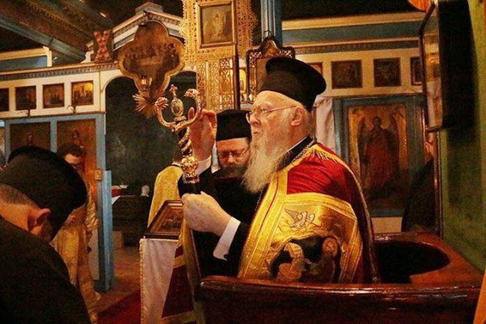 Στο Βατοπαιδινό Μετόχι του Αγ. Ανδρέα στον Γαλατά ο Οικ. Πατριάρχης