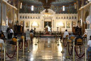«Ιερό αντάρτικο» για τους κλειστούς ναούς στις γιορτές – Δεν θα γίνουν αποδεκτά τα μέτρα λένε Ιεράρχες