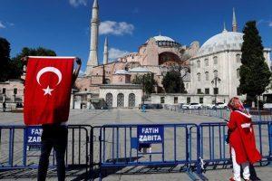 Η Ευρώπη καταδίκασε για ακόμη μια φορά την μετατροπή της Αγιάς Σοφιάς σε τζαμί