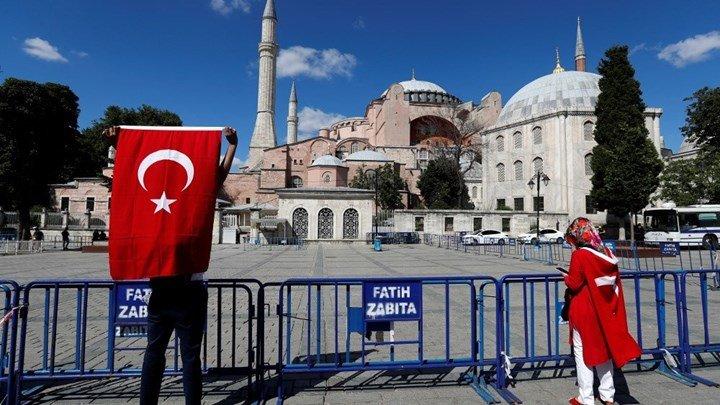 You are currently viewing Η Ευρώπη καταδίκασε για ακόμη μια φορά την μετατροπή της Αγιάς Σοφιάς σε τζαμί