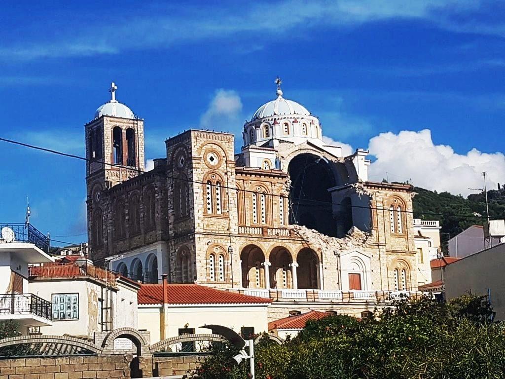Η Σάμος μετά τον σεισμό προσπαθεί να ανασυνταχθεί και εορτάζει τον Άγιο Νικόλαο!