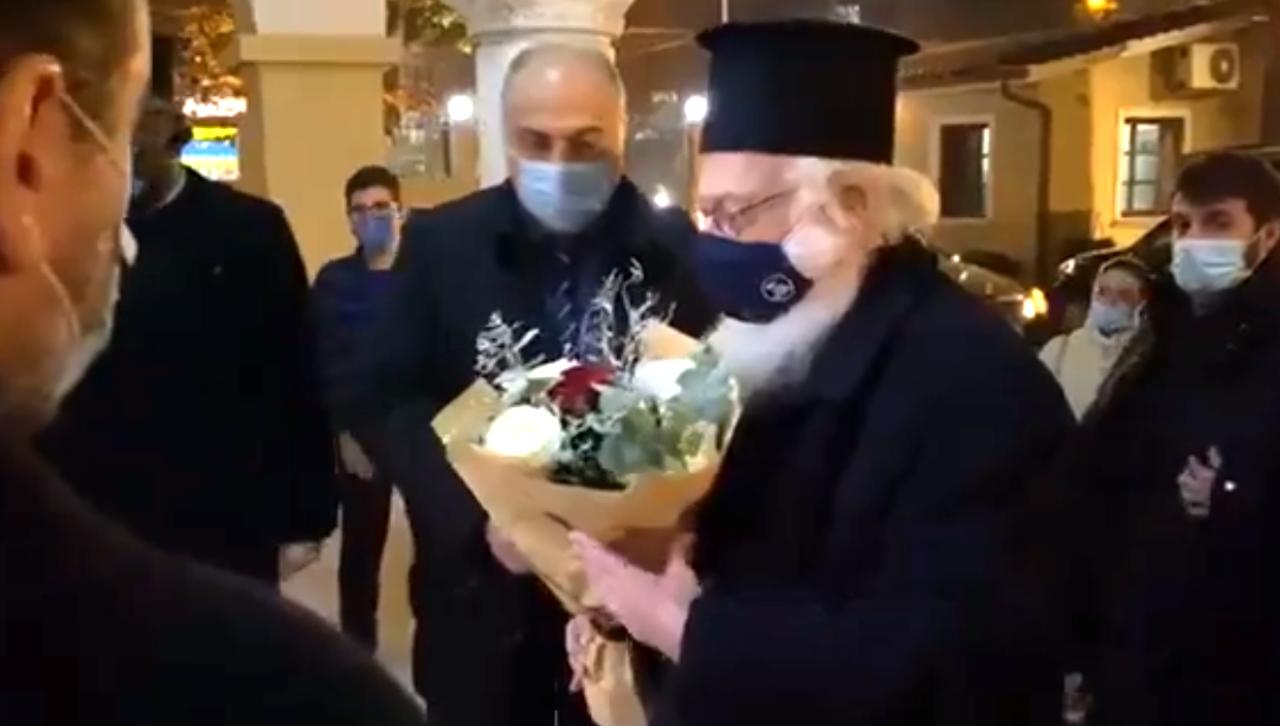 You are currently viewing Με χαρά και εκδηλώσεις αγάπης  υποδέχθηκαν οι Ορθόδοξοι της Αλβανίας τον Αρχιεπίσκοπο Αναστάσιο