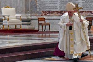 Ο Πάπας εγκρίνει τα εμβόλια για τον κορονοϊό και τα θεωρεί «ηθικά αποδεκτά»…