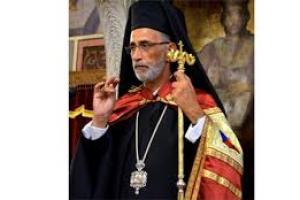 «Είναι θεολογικά αναλφάβητοι(!) αυτοί που υποστηρίζουν το απρόσβλητο του ιού από τη Θεία Ευχαριστία»;