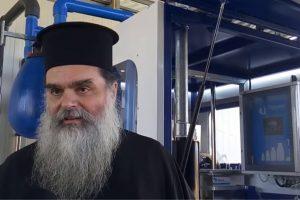 Ο Ιερέας π.Κωνσταντίνος Καντάνης στο Αγρίνιο κοινώνησε 700 πιστούς τα Χριστούγεννα