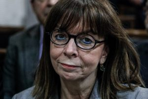 Πολλά τα ατοπήματα της Α.Σακελλαροπούλου: Φουντώνει το κίνημα #notmypresident