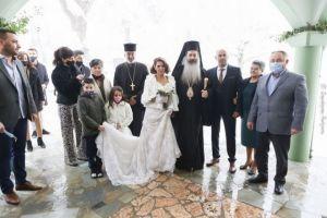 Σαν θέλει η νύφη, ο γαμπρός και ο Φθιώτιδος Συμεών γίνεται γάμος με μισό μέτρο χιόνι