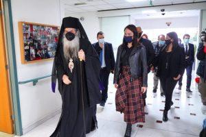 Η Υφυπουργός Εργασίας και Κοινωνικών Υποθέσεων Δόμνα Μιχαηλίδου στο Γηροκομείο Πειραιώς.