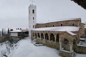 Χιόνια σε Ναούς και Μονές της Αλβανίας