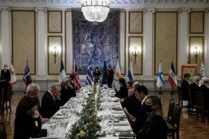 Γιατί απουσίαζε ο Αρχιεπίσκοπος από το επίσημο δείπνο της Προεδρίας;