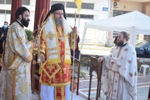 Στον «τραυματισμένο» Άγιο Γεώργιο Tυρνάβου ο Μητροπολίτης Λαρίσης και Τυρνάβου Ιερώνυμος