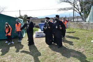 Οι Σεβ.Μητροπολίτες Μαρωνείας, Ξάνθης και Κοζάνης επισκέφθηκαν μετά του επιχωρίου Σεβ. Ελασσώνος τις πληγείσες περιοχές από τον μεγάλο σεισμό