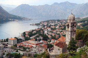 Ρατσιστική επίθεση προς μαθητές ιερατικής σχολής στο Μαυροβούνιο