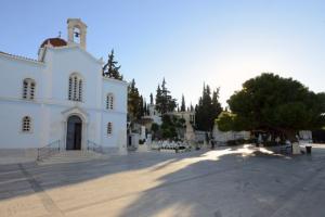 Γιατί παραμένουν ακόμη  απλήρωτοι  από την Ι. Αρχιεπισκοπή οι  Ιεροψάλτες και οι Νεωκόροι των πρώην δημοτικών ναών των κοιμητηρίων;