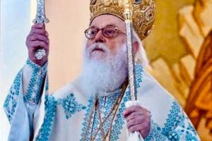 """Αρχιεπίσκοπος Αναστάσιος: """"Η Εκκλησία δεν ανακατεύεται με τα κόμματα, αλλά είναι χρέος και δικαίωμα των Ορθοδόξων να ψηφίζουν"""""""